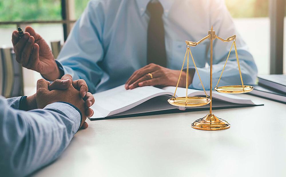 Адвокат в цивільних справах